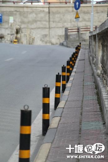 十堰最窄人行道 高清图片