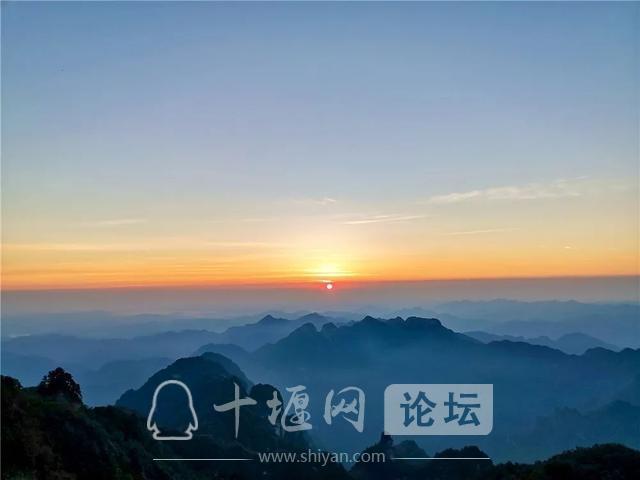 【惠游湖北】摄影作品 | 朝阳照武当-7.jpg