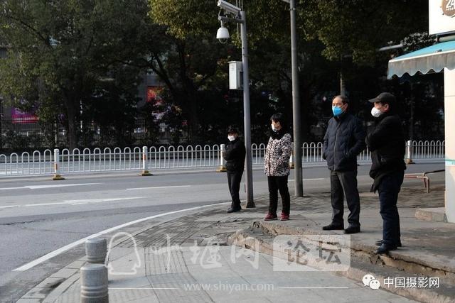 """陶德斌:疫情""""常""""镜头-3.jpg"""
