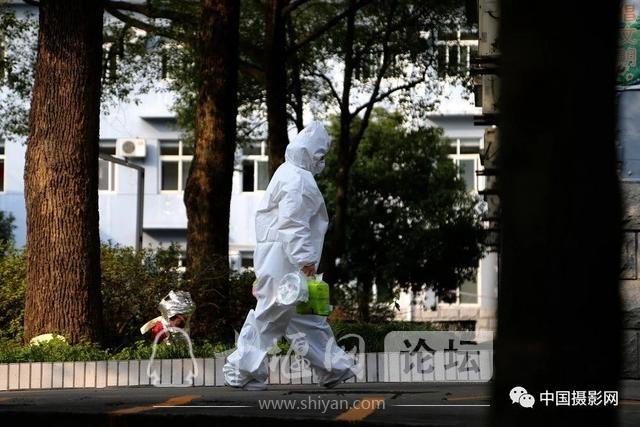 """陶德斌:疫情""""常""""镜头-11.jpg"""