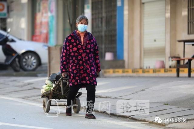 """陶德斌:疫情""""常""""镜头-23.jpg"""