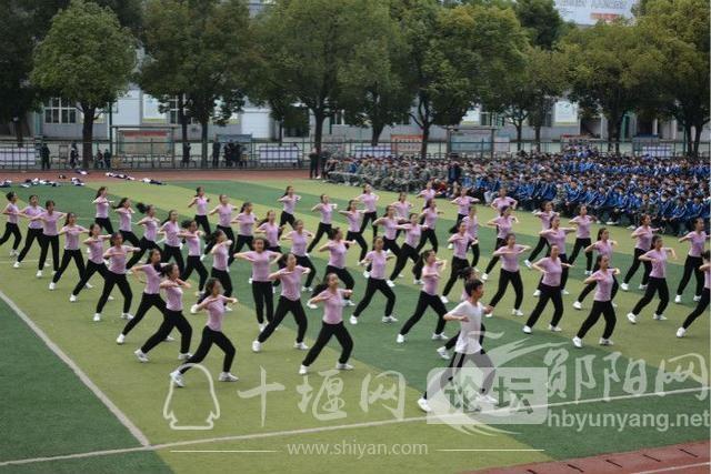 郧阳科技学校举办校园舞蹈比赛-4.jpg