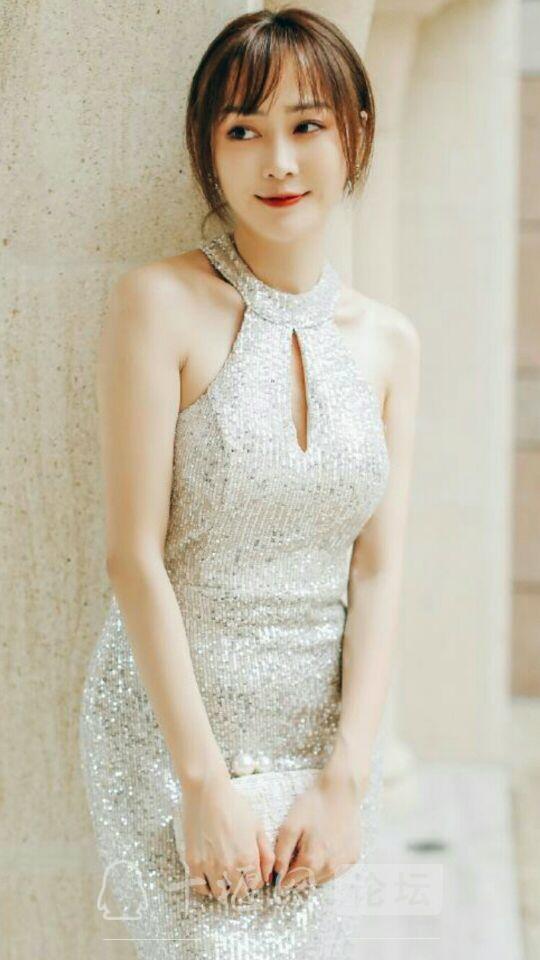 美女演员周娇漂亮时尚又优雅,真的好迷人-4.jpg