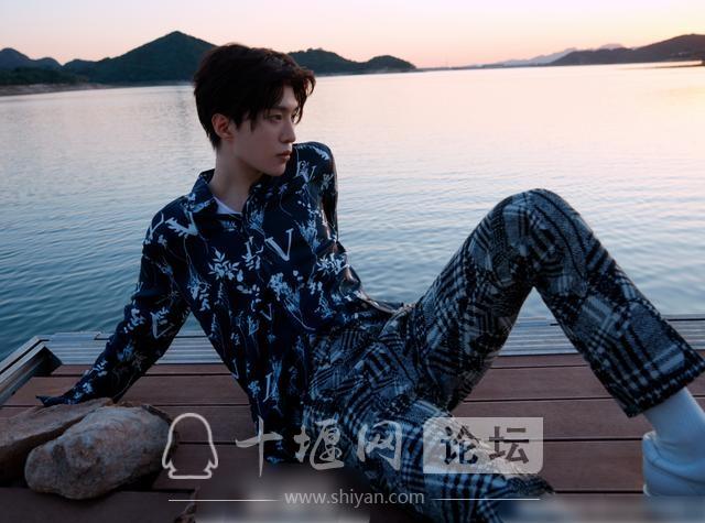 《潮流合伙人2》将袭,刘雨昕确定加盟,我却注意吴亦凡和杨颖-8.jpg