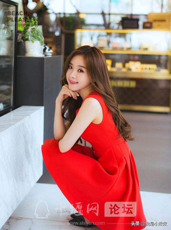 分享时尚,脸颊漂亮,身穿红色裙子的小姐姐,真的太漂亮了-2.jpg