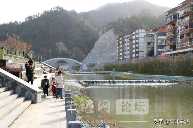十堰百二河生态修复工程河畔春光美,市民休闲亲水游玩更逍遥-7.jpg