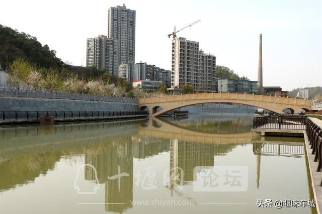十堰百二河生态修复工程河畔春光美,市民休闲亲水游玩更逍遥-10.jpg