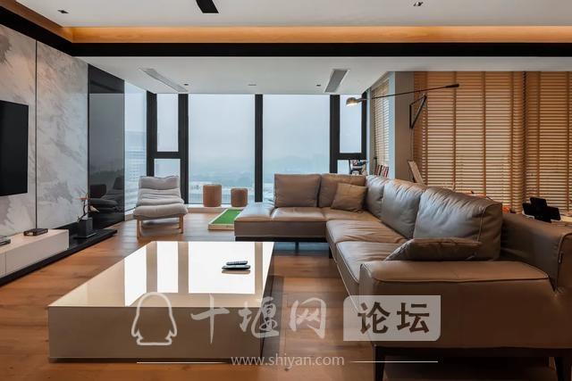 十堰装修180㎡现代简约,有温度的木色,满屋温馨气息-3.jpg