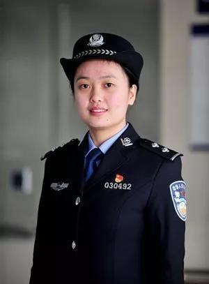 又美又飒!刑侦、戒毒、消防,这些女警察、女消防员,都从湖北同所名校走出-2.jpg