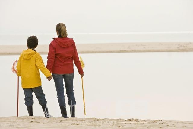 孩子冷漠不懂感恩?面对孩子的救命恩人,家长的做法更加冷漠-4.jpg