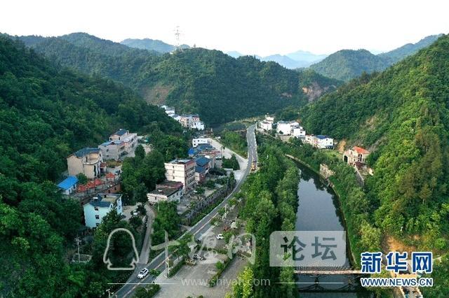 开着汽车看乡村|十竹公路串起十堰西沟乡村旅游经济带-1.jpg