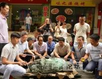 """湖北十堰惊现""""绿松石王"""",重达215公斤,价格过千万"""